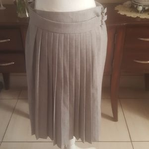 Forever 21 Grey Pleated Skirt